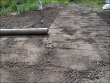 Как выровнять землю под газон своими руками